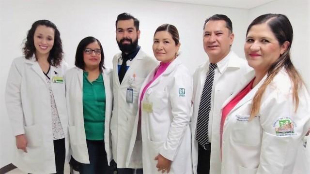 La cirugía que duró casi 4 horas, se llevó a cabo por parte de un equipo médico conformado por cirujanos, ginecólogas, angiólogos, anestesiólogas, enfermeras quirúrgicas y demás personal de salud; todos altamente capacitados y con amplia experiencia en estos procedimientos.