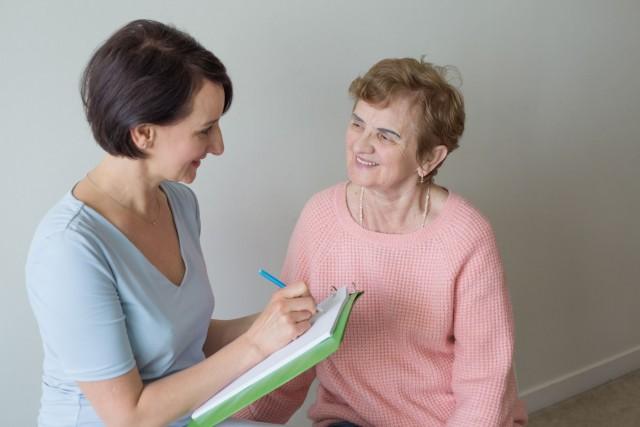 El estudio de casi 4,418 mujeres posmenopáusicas involucradas en el UK Collaborative Trial of Ovarian Cancer Screening (UKCTOCS, Estudio de Colaboración en el Reino Unido para el Cribado del Cáncer de Ovario) examinó los textos con datos libres para comprender mejor por qué las mujeres se sintieron de cierta manera y la profundidad de esos sentimientos.