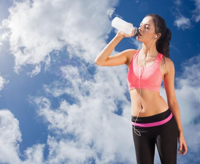 Diariamente se producen pérdidas de entre un 5% y un 10% del agua corporal2 que, si no son compensadas, podrían afectar nuestro desempeño.