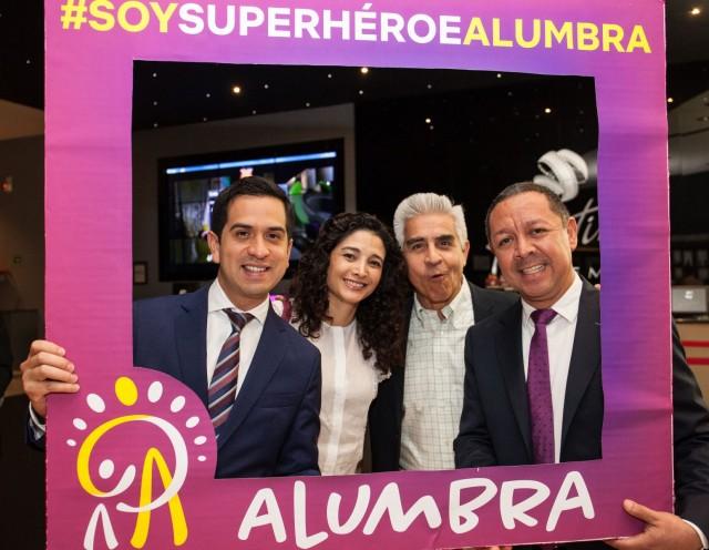 """El proyecto Alumbra, impulsado por el think tank mexicano Early Institute, dio a conocer el cineminuto """"Sé un superhéroe"""", con el apoyo de Promotora Social México y Fundación Grupo México."""
