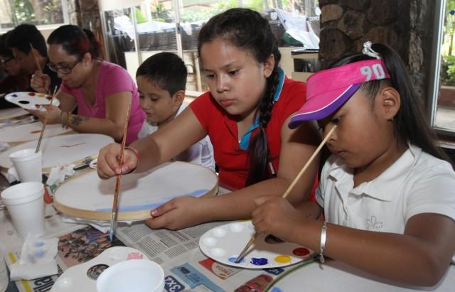 Se ofrecen actividades deportivas, recreativas, culturales, de promoción a la salud y de participación social.