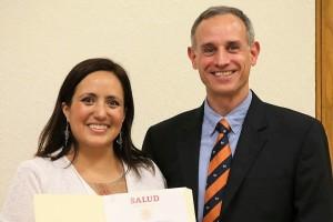 Alethse De la Torre es médico cirujana por la UNAM, especialista en Infectología y Medicina Interna con maestría en Salud Pública en Países en Vías de Desarrollo, además fue reconocida como campeona-México del programa de la OMS: Pacientes por la Seguridad del Paciente (PFPS).