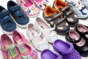 zapatos de niñas y niños