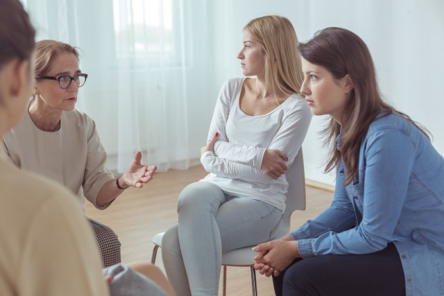 La Secretaría de Salud debe vigilar a grupos de coaching para evitar explotación psicológica.