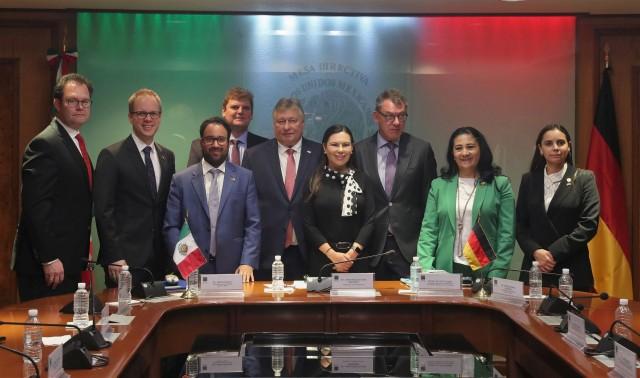 Diputadas se reúnen con integrantes del parlamento alemán para conocer experiencias sobre igualdad de género.