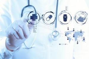 La Inteligencia Artificial aplicada a la medicina se ha traducido en algoritmos desarrollados a partir de información de millones de estudios médicos, diagnósticos y experiencia de especialistas, que sumados a la tecnología y traducidos en algoritmos, tienen un impacto en beneficio de miles de vidas.
