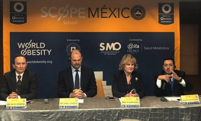 Dr. Julio Morfín, Dr. Corel Le Roux, Dra. Donna Ryan y Dr. Ricardo Luna