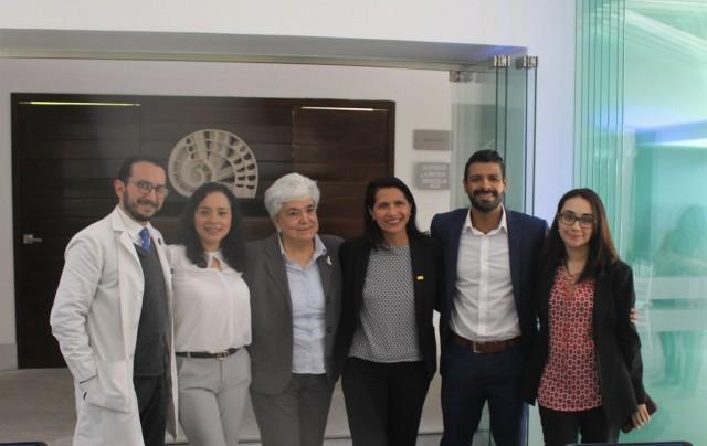 participaron la Dra. Yurika Manuel Valencia, Jefa del Programa de Prevención y Control de Enfermedad de Chagas del CENAPRECE de la Secretaría de Salud; el Dr. Adolfo Chávez, Investigador Clínico en Chagas; la Dra. Paz María Salazar, Jefa del Departamento de Microbiología y Parasitología de la UNAM, y por parte de Novartis México participaron la Dra. Viviam Ubiarco, Therapeutic Area Head del área cardio-renal y metabólica (CRM), el Dr. Carlos Madrigal, Medical Science Liaison CRM y la Dra. Marissa González, Chief Scientific Officer.