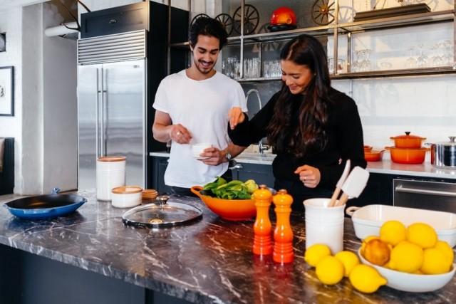La alimentación debe ser un tema relevante en nuestra vida cotidiana, pues llevarla de forma correcta nos ayuda a sentirnos bien y mantener un estado de salud óptimo.