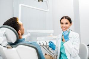 El visto bueno del dentista podría ser necesario o recomendable antes de una gran variedad de intervenciones quirúrgicas.