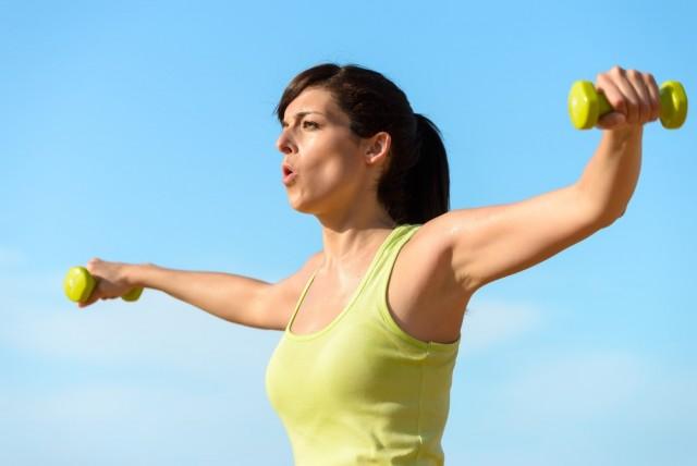 Haz ejercicio regularmente, los músculos fuertes sostienen las articulaciones.