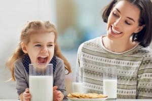 Es factible que os lácteos acidifican la sangre, irritando, inflamando y congestionando los tejidos y órganos de nuestro cuerpo, dice el Dr. Reskala.