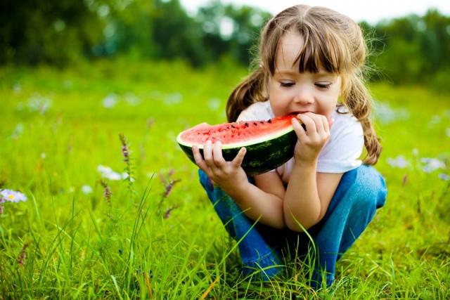 Los padres son una influencia poderosa en la formación de las preferencias y hábitos de los niños.