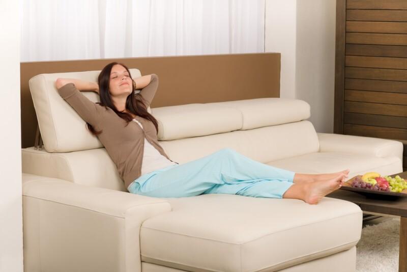 mujer relajandose