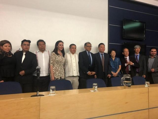 Este intercambio de experiencias entre México y China sobre medicina tradicional, se enmarca en el convenio de colaboración firmado el pasado 7 de mayo entre la Facultad de Medicina de la UNAM y la FNIHMAT.