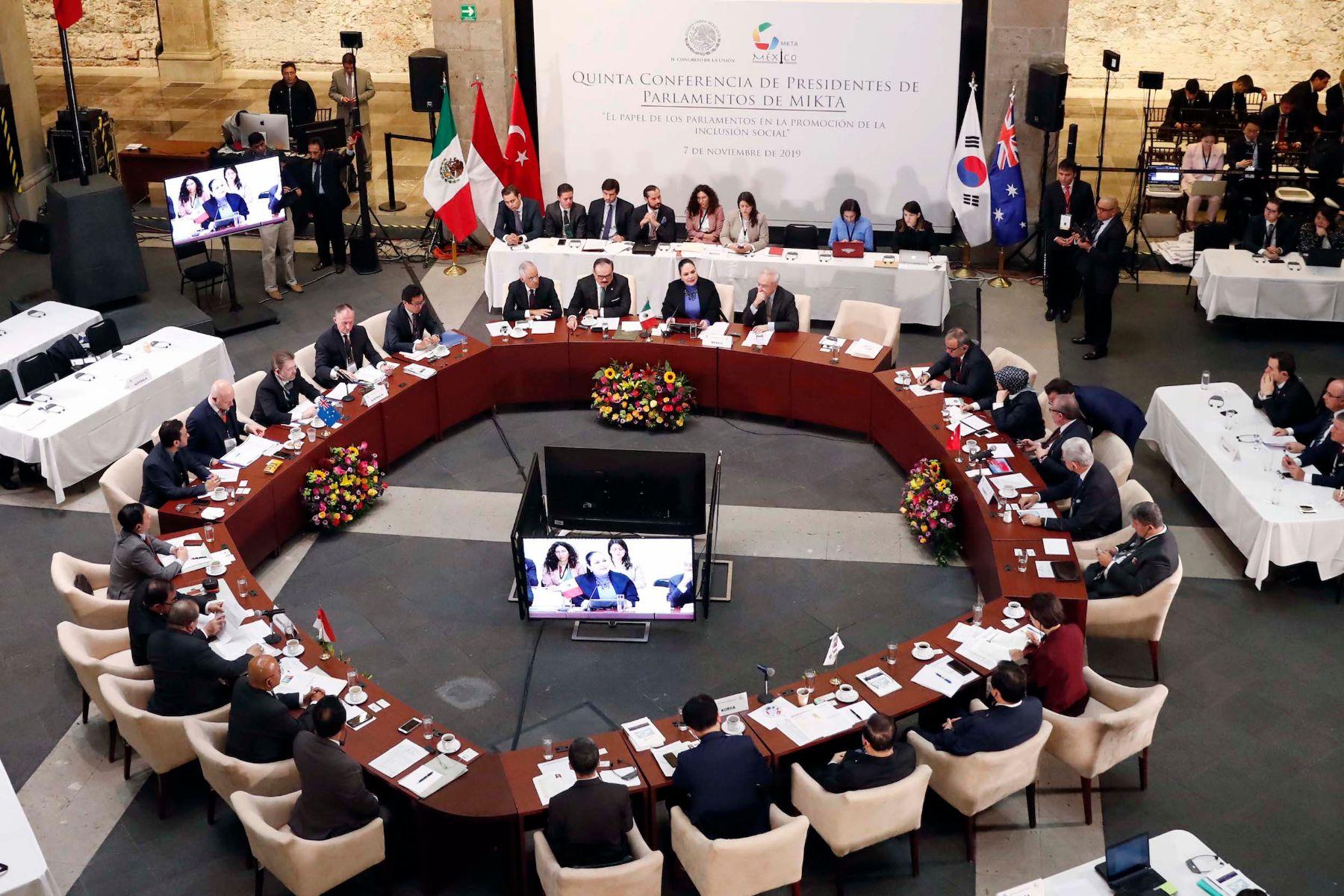 """Quinta Conferencia de Presidentes de Parlamentos de MIKTA: """"El papel de los parlamentos en la promoción de la inclusión social"""""""