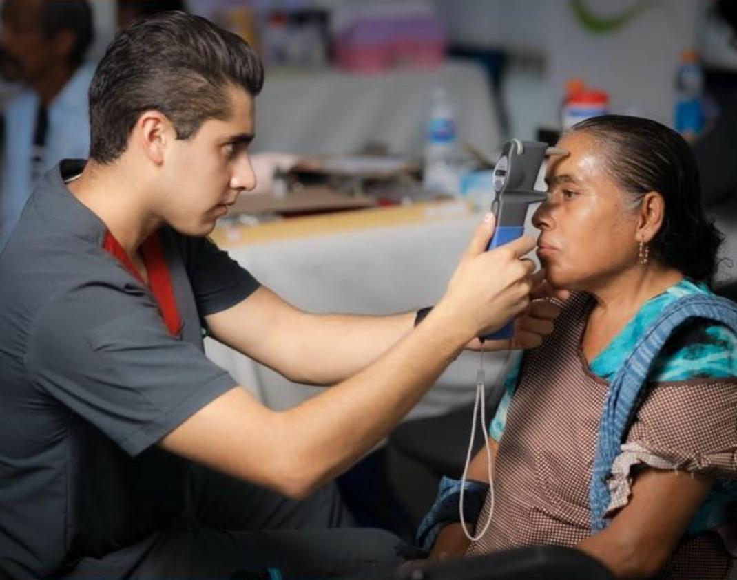 Brigadas Comunitarias de la Licenciatura en Optometría de la Escuela Nacional de Estudios Superiores de León