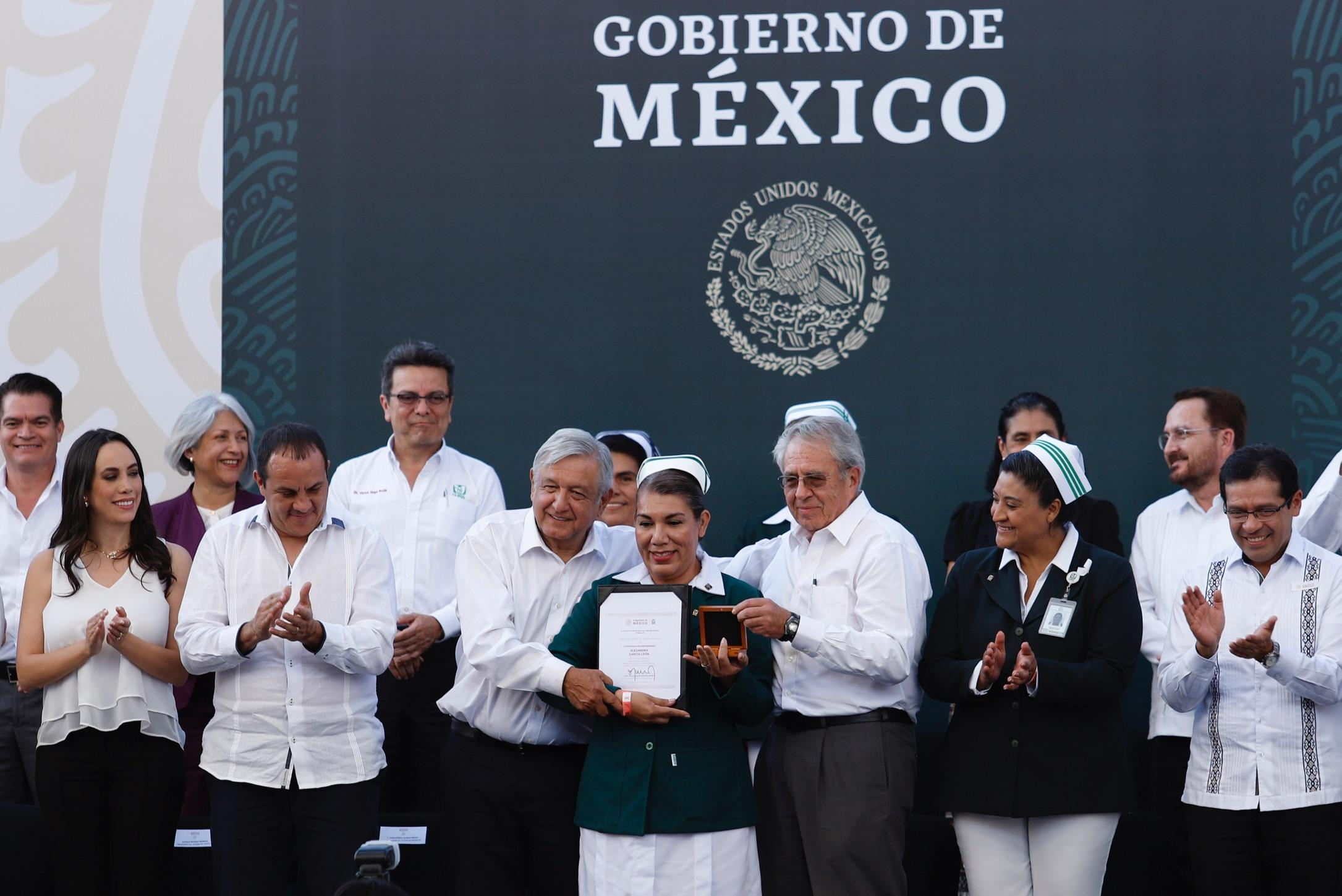Ceremonia encabezada por el presidente Andrés Manuel López Obrador para conmemorar el Día de las Enfermeras y los Enfermeros 2020