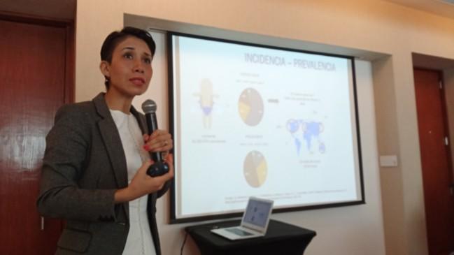 Dra. María Elena Meza Cano, en la conferencia de la presentación de Atrofia Muscular Espinal (AME)