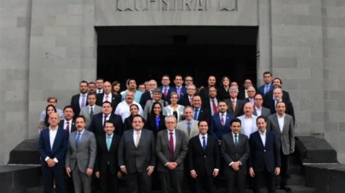 Secretario Jorge Alcocer Varela, e integrantes y representantes de la Conferencia Nacional de Gobernadores (Conago)