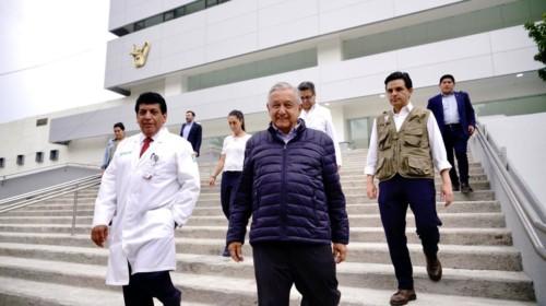 Andrés Manuel López Obrador: la jefa de Gobierno, Claudia Sheinbaum Pardo; el director de Prestaciones Médicas del IMSS, Víctor Hugo Borja y el alcalde de Coyoacán, Manuel Negrete Arias.