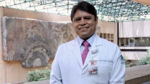doctor Sinuhé Barroso Bravo, Director Médico de la Unidad de Medicina de Alta Especialidad (UMAE), Centro Médico Nacional Siglo XXI del IMSS