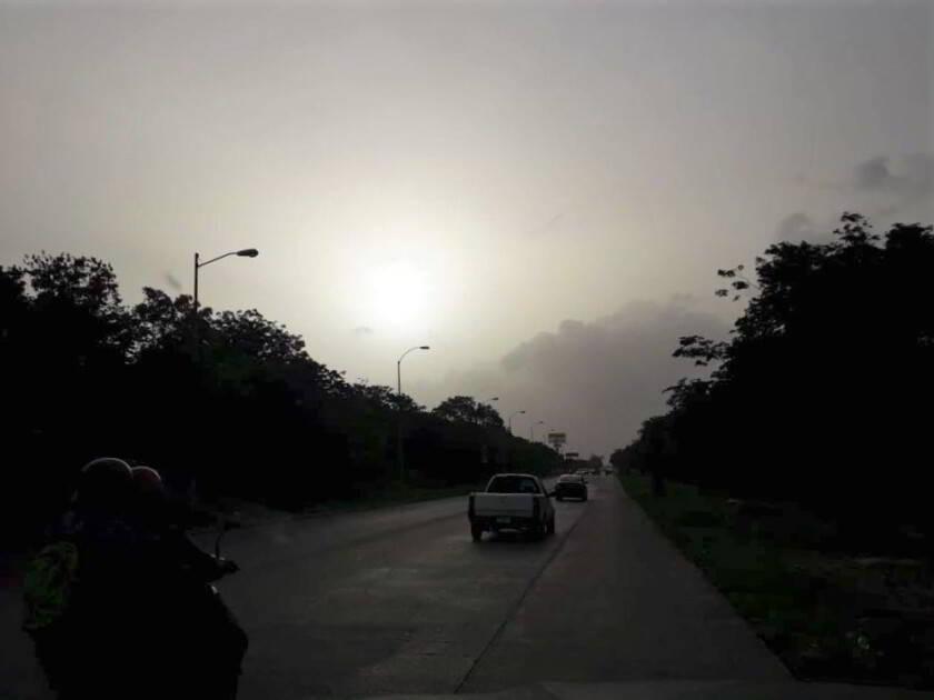 Carretera con ejemplo de polvo