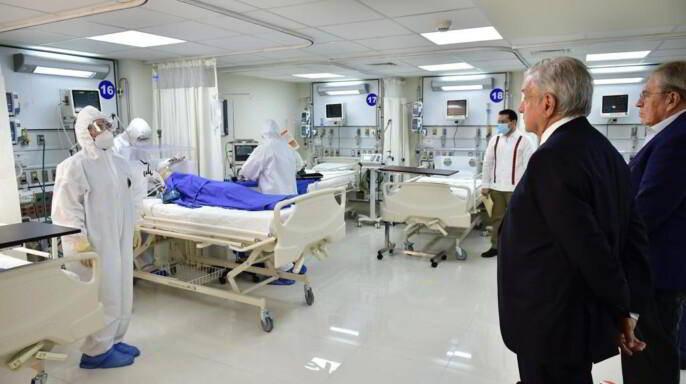 Personal en sala de terapía intensiva