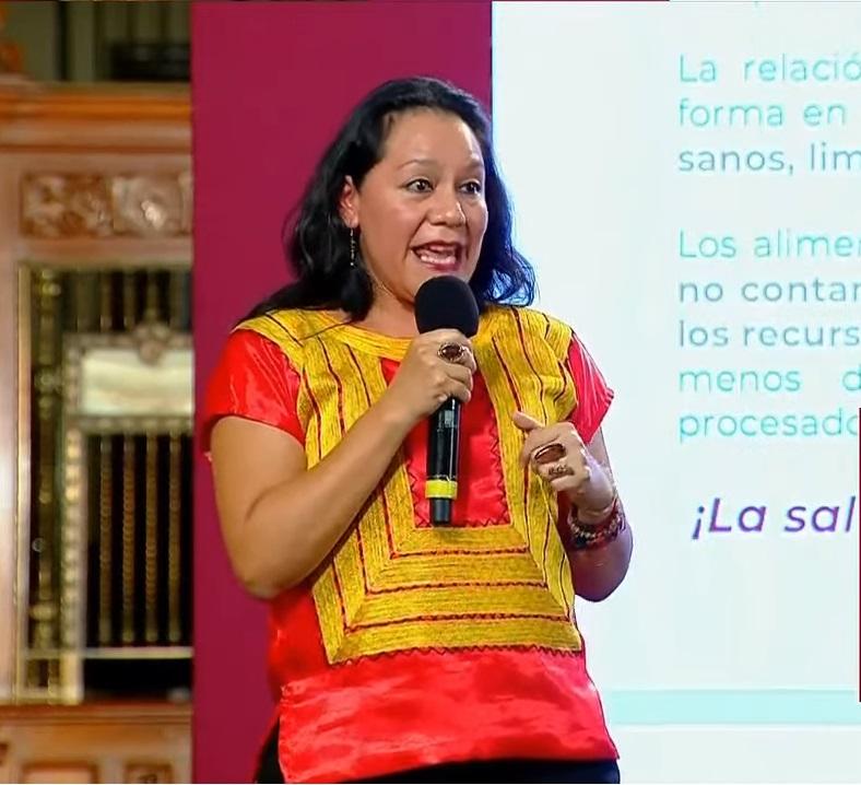 María Luisa Albores González