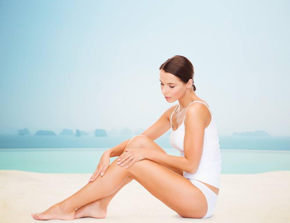 Mujer exponiendo sus piernas