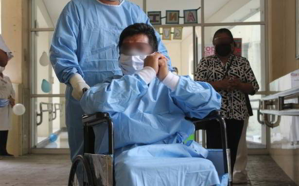 Tras una ardua batalla, egresó del HGZ No. 1 en Saltillo el paciente que estuvo más grave por COVID-19