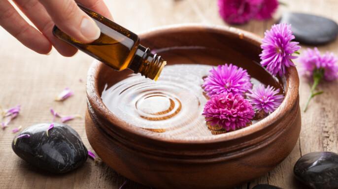 Aceite esencial para aromaterapia.