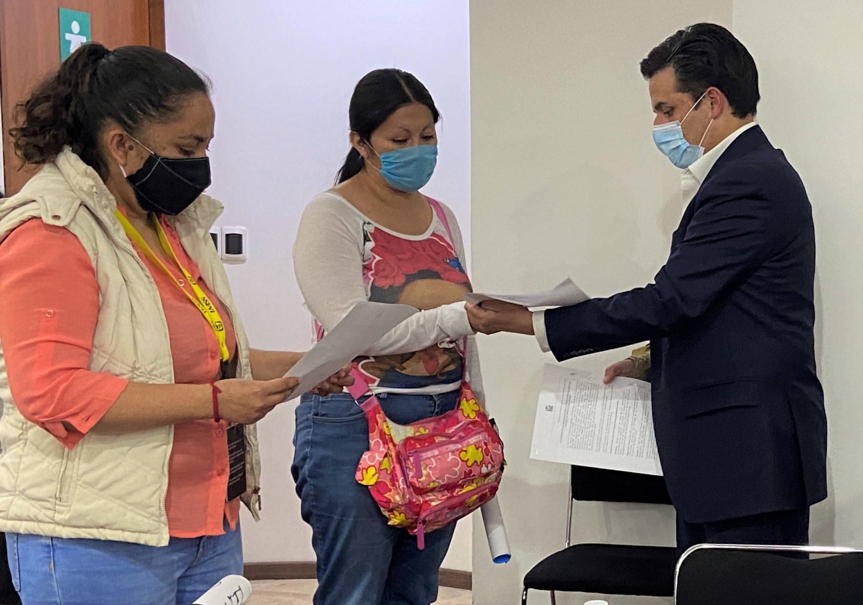 Madres y padres de niños con cáncer en IMSS aceptando crear un grupo de trabajo para dar seguimiento y vigilancia a tratamiento de pacientes con cáncer