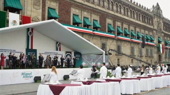 El presidente Andrés Manuel López Obrador atestiguó la entrega de las preseas este medio día.