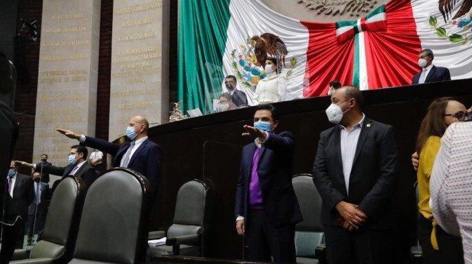 Comparecen ante el Pleno de la Cámara de Diputados funcionarios del sector salud