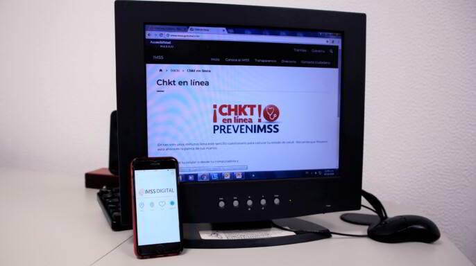 Computadora con página de CHKT en Línea IMSS