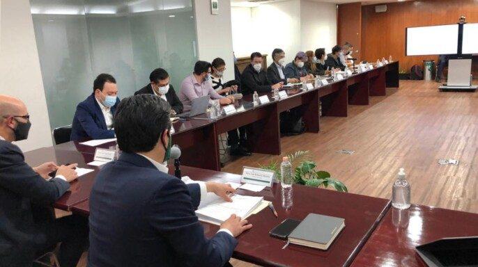 sexta sesión del grupo de trabajo entre autoridades del IMSS conmadres y padres de pacientes pediátricos con tratamientos oncológicos