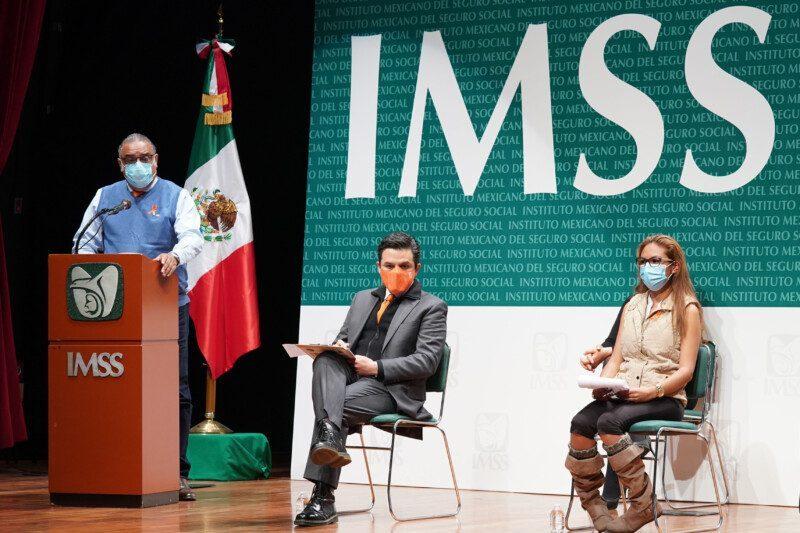 Conferencia de prensa que encabezó el director general, Maestro Zoé Robledo
