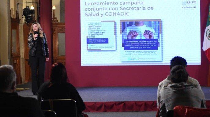 Directora de Fundación Salvati y Frente Unido por el Cáncer de Pulmón, Adela Ayensa Alonso, anunció el lanzamiento de la campaña conjunta con la Conadic para promover la Línea de la Vida 800 911 2000