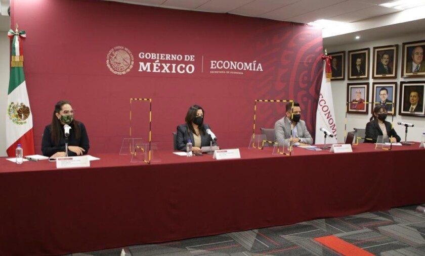 Con la representación de la secretaria de Economía, Tatiana Clouthier Carrillo, la titular de la Unidad de Desarrollo Productivo, Ana Bárbara Mungaray Moctezuma, y el titular de la Unidad de Prospectiva, Planeación y Evaluación, Alejandro Rosas Guerrero