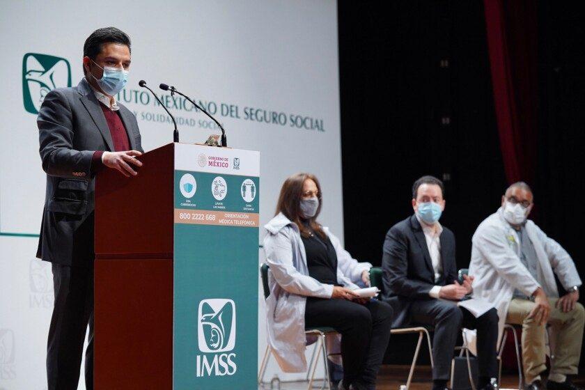 Zoé Robledo, director general del IMSS