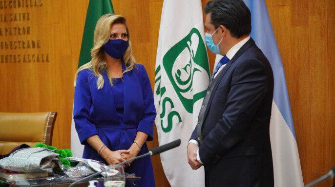 Fabiola Andrea Yáñez y Zoé Robledo