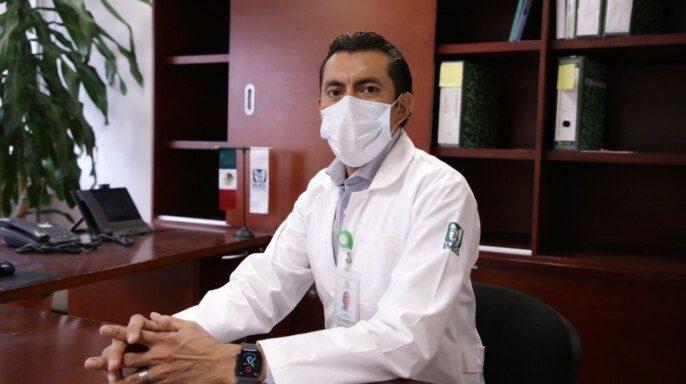 doctor Juan Diego Martínez Franco, coordinador de Programas Médicos adscrito a la División de Hospitales del Segundo Nivel del IMSS