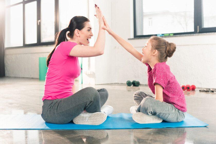 Mamá e hija en ejercicio