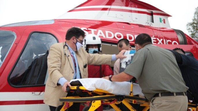 Trasladado en helicóptero del Grupo de Rescate Aéreo Relámpagos del Estado de México