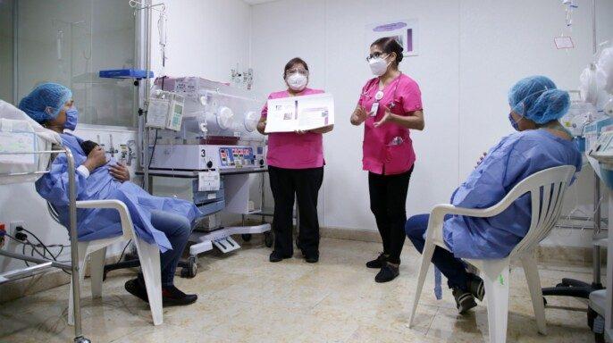 """Enfermeras promueven diversas estrategias como el """"Mantelito Bebé NutrIMSS"""""""