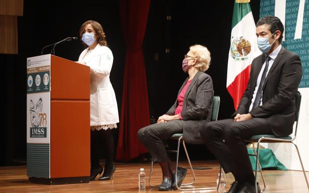 """doctora Célida Duque Molina en el foro """"Por una infancia libre de obesidad en México"""""""