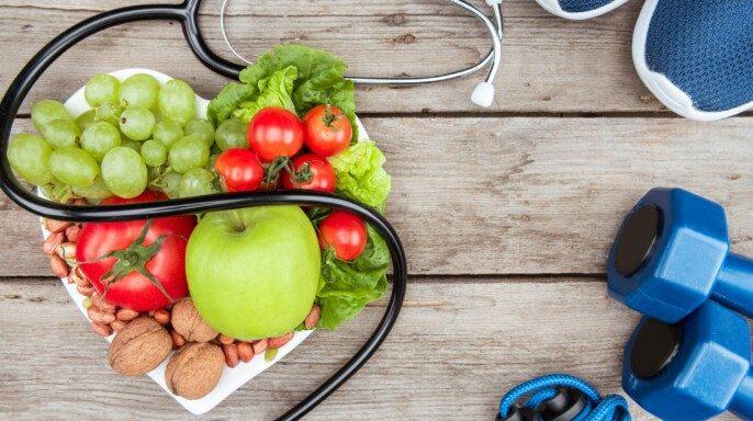 Estetoscopio, comida ecológica y equipo deportivo
