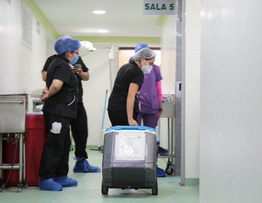 Transportando organos en el hospital