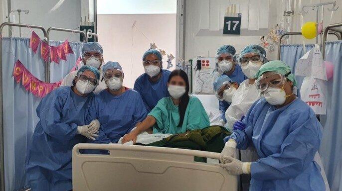 Paciente trasplantada de riñón celebra su cumpleaños en el HGR No.110 de Jalisco tras recuperarse de COVID-19